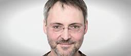 Junker_Joerg_schmal_web_D3A0102