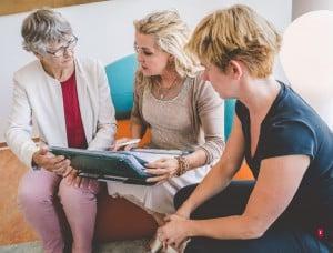 In interdisziplinären Teams wird in der BetaGenese Klinik in Bonn für jeden Patienten ein individueller Therapieplan erstellt.