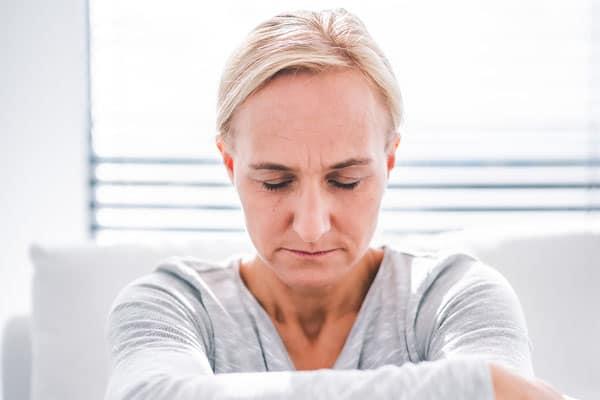 Sinnlosigkeit oder Langeweile sind Gefühle, die das Boderline-Syndrom prägen.